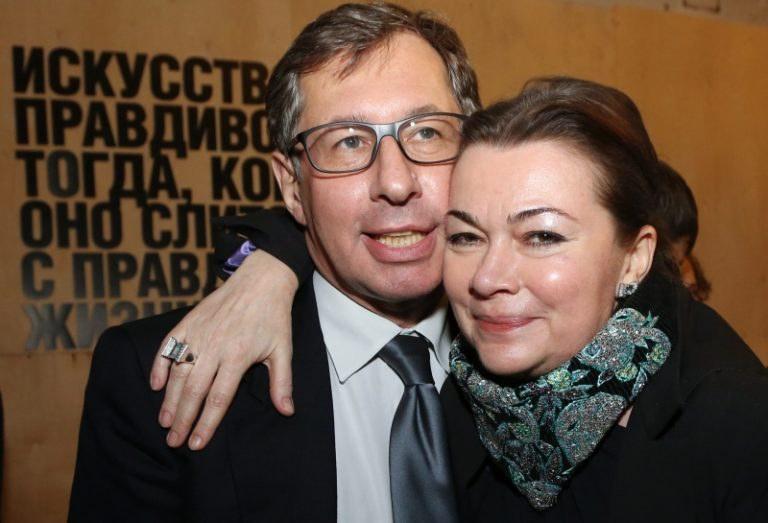 авен петр с женой